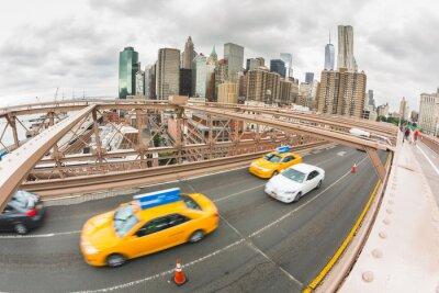 Fototapeta Ruch na Brooklyn Bridge, Lower Manhattan w tle