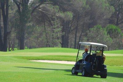 Fototapeta Samochód Golf na polu golfowym