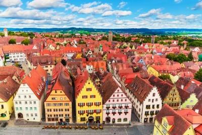 Fototapeta Sceniczny aerial panorama Starego Miasta architektury i Rynek w Rothenburg ob der Tauber, Bawaria, Niemcy