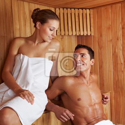 Schönes Paar w saunie
