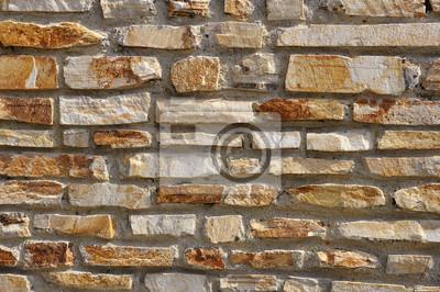 ściany z kamienia naturalnego