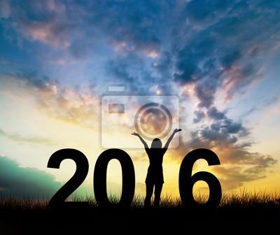Fototapeta Silhouette młoda kobieta korzystających na wzgórzu i 2016 roku przy okazji nowego roku