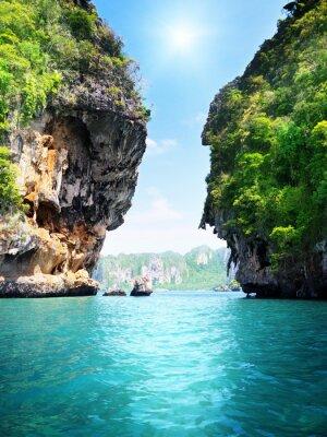 skały i morze w Krabi Tajlandia