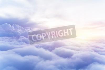 Fototapeta Słoneczne niebo abstrakcyjne tło, piękne Chmura na niebie, widok na białe puszyste chmury, koncepcja wolności