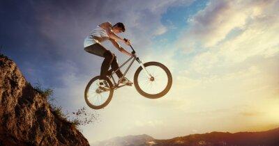 Fototapeta Sport. Skoki Biker