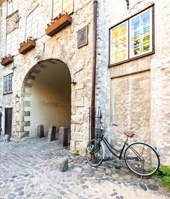 Fototapeta Średniowieczny łuk w starym mieście Rydze, Łotwa