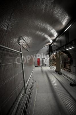 Fototapeta Stacja metra w wielkim mieście bez ludzi