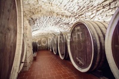 Fototapeta Stare beczki wina starych beczek wina w starej piwnicy
