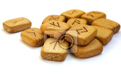 Stare drewniane runy