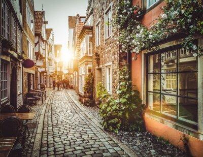 Fototapeta Stare miasto w Europie, na zachodzie z efektem filtru retro vintage