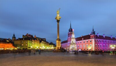 Fototapeta Stare Miasto w Warszawie, w Polsce, w godzinach wieczornych,