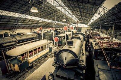 Fototapeta stare pociągi garaż