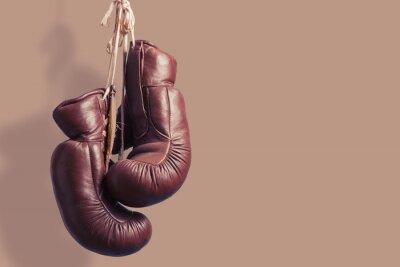 Fototapeta Stare rękawice bokserskie wiszące
