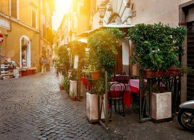 Fototapeta Stare ulicy w dzielnicy Trastevere w Rzymie, Włochy