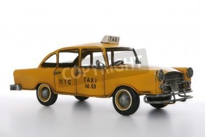 Fototapeta Stare zabytkowe taxi cab na białym tle