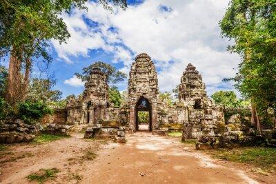 Fototapeta Starożytna buddyjska świątynia Khmerów w Angkor Wat złożonych