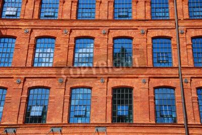 Fototapeta stary budynek zabytkowy cegielni w Łodzi ożywiona w hotelu