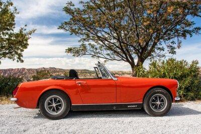 Fototapeta Stary czerwony samochód Midget