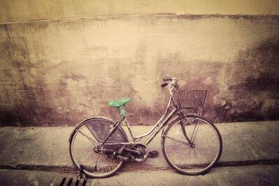 Fototapeta stary rower w rustykalnym ulicy we Florencji