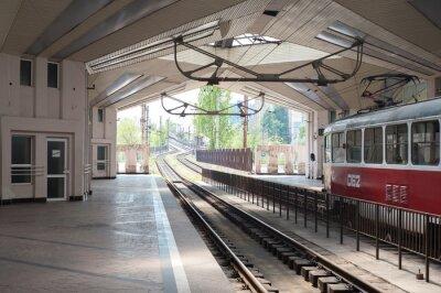 Fototapeta Stary zatrzymanie pociągu na stacji kolejowej w Kriviy Rig miasta