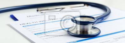 Fototapeta Stetoskop na formularzu ubezpieczenia zdrowotnego