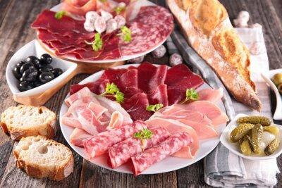 Fototapeta stół z mięsa, chleba, oliwy