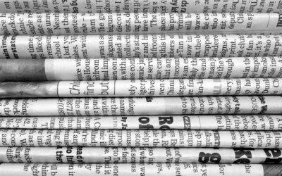 Fototapeta Stos gazet w czerni i bieli