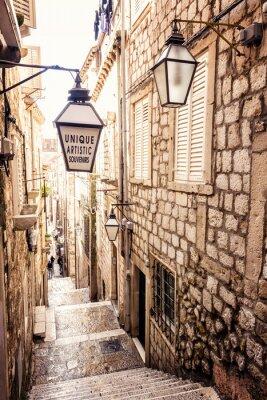 Fototapeta Strome schody i wąska ulica w starego miasta Dubrownika