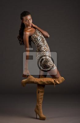 c2837851db Fototapeta Sukienka i buty Animal print na wymiar • czarny ...