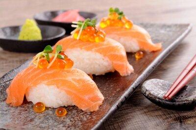 Fototapeta Sushi z kawiorem z łososia