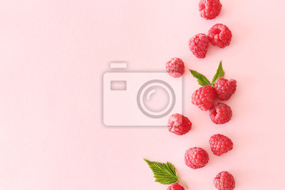 Fototapeta Sweet ripe raspberry on color background