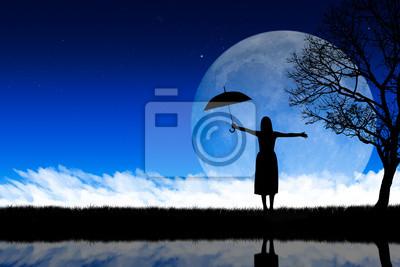 Fototapeta Sylwetka kobiety w tle przyrody