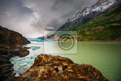 Szare jezioro, Patagonia, Chile