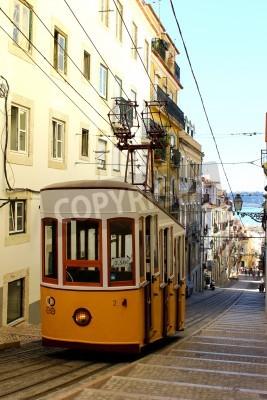 Fototapeta Ta kolejka jest jednym z trzech, które nadal działają codziennie w Lizbonie