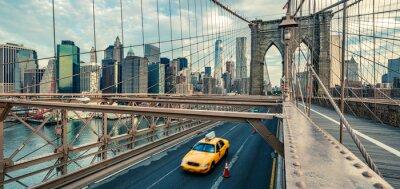 Fototapeta Taxi on the Brooklyn bridge