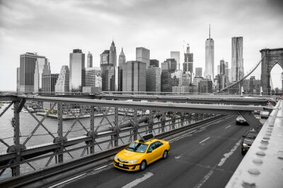 Fototapeta taxi przekraczania Brooklyn Bridge