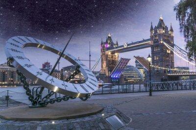 Fototapeta Tower Bridge w nocy z mostu otwartego