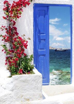 Fototapeta Tradycyjne greckie drzwi na wyspie Mykonos, Grecja