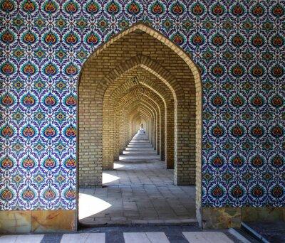 Fototapeta Tradycyjne ozdoby i wzory na niebieskim tle w irańskich meczetach. Sztuka islamska