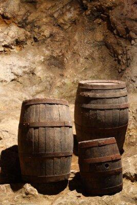 Fototapeta Trzy wina lub piwa niedopałki w jaskini