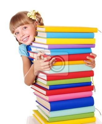 Uczennica z plecak gospodarstwa pala książek.