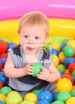 Urodziny zabawy Chłopiec w kulki.