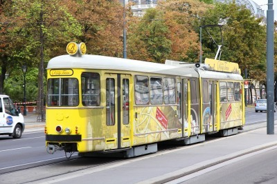 Fototapeta VIENNA - SEPTEMBER 9: Commuters ride a tram on September 9, 2011 in Vienna. With 172km total length, Vienna Tram network is among largest in the world. In 2009 186.9m passengers used Vienna trams.