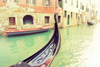 Fototapeta Vintage gondola zacumowane na wenecki kanał - Wenecja, Włochy