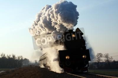Fototapeta Vintage pociąg parowy począwszy od stacji, zimą