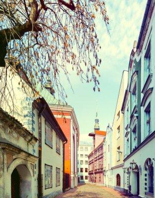 Fototapeta Wąska ulica średniowiecznych w starego miasta w Rydze, Łotwa