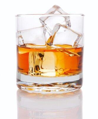 Fototapeta Whisky i lodu na białym