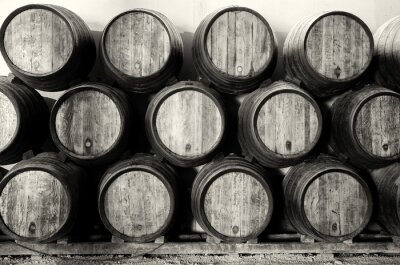 Fototapeta Whisky lub wina baryłek w czerni i bieli