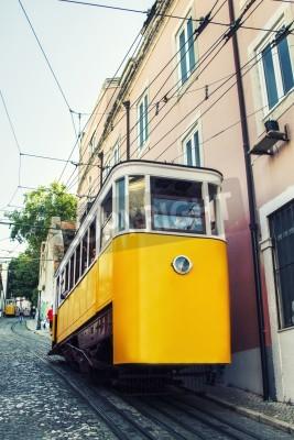 Fototapeta Widok słynnego wyciągu elektrycznym tramwajem z rocznika Gloria, z siedzibą w Lizbonie, Portugalia.