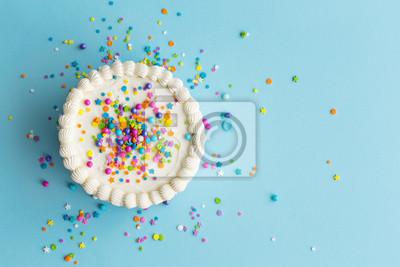 Fototapeta Widok z góry kolorowy tort urodzinowy